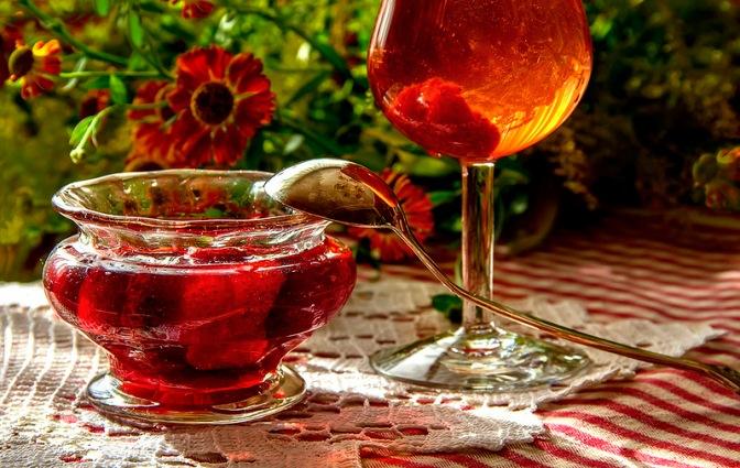 чай с малиновым вареньем.jpg